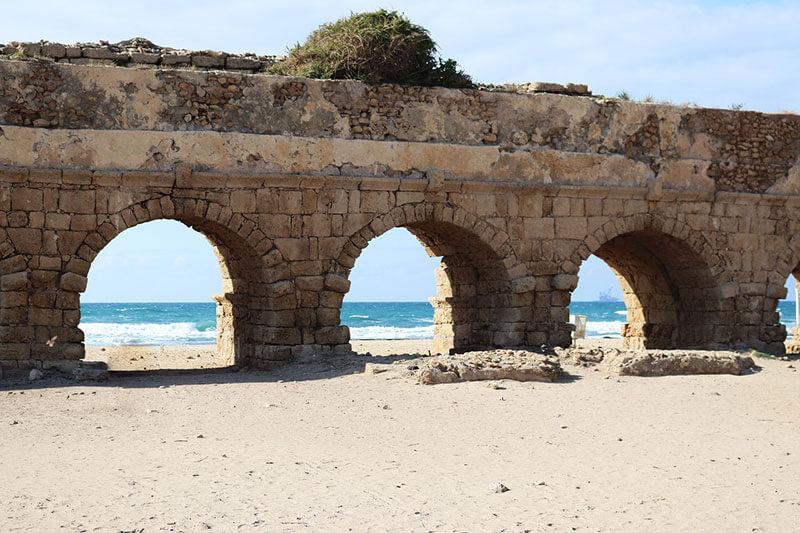 הצעת נישואין בחוף הקשתות